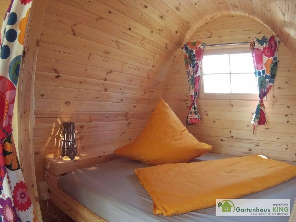 Camping Pod Helsinki 240x300